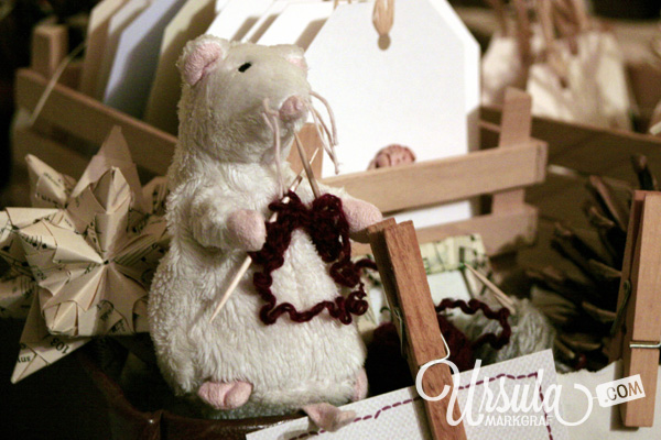 Ever seen a knitting mouse?